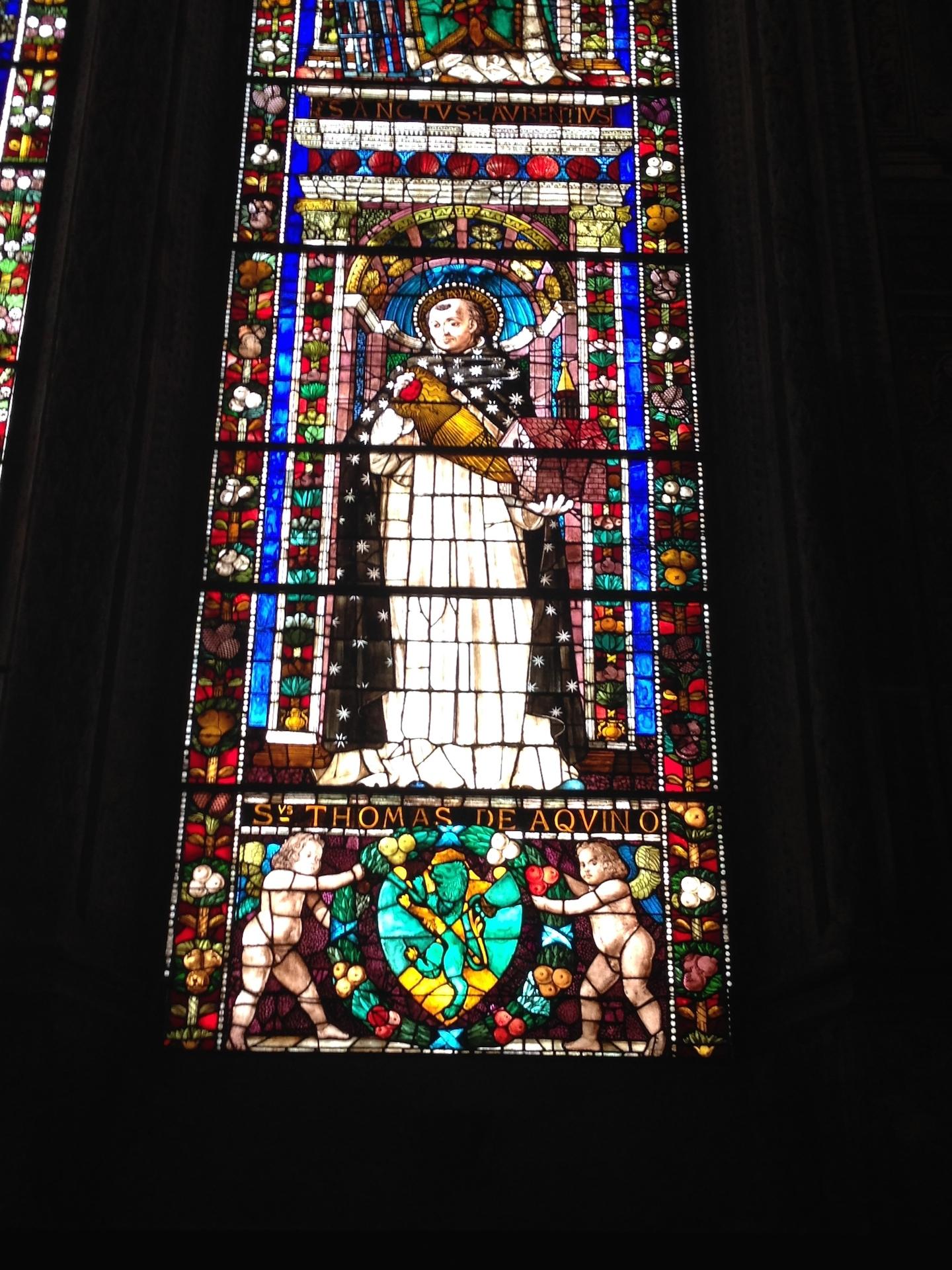 Particolare vetrata nella cappella Tornabuoni